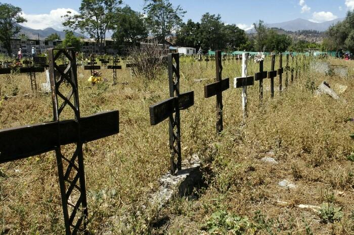 Patio 29 delakoa, non militarrek-eta gorpu asko lurperatu baitzituzten ezkutuan. Santiago, Txile.