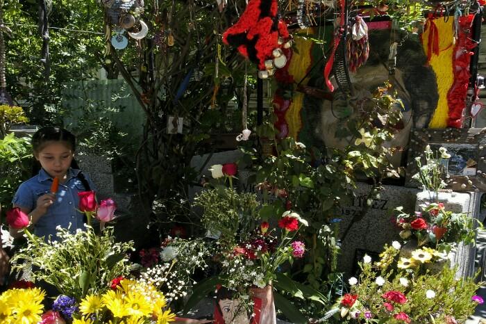 Victor Jararen hilobi berria. Santiago, Txile.
